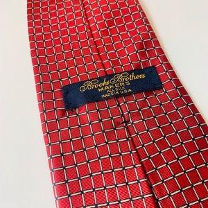 BROOKS BROTHERS Square geometric Striped Silk Tie